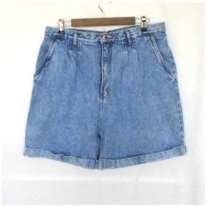 Vintage Pleat Front Mom Style Hi Rise Jean Shorts